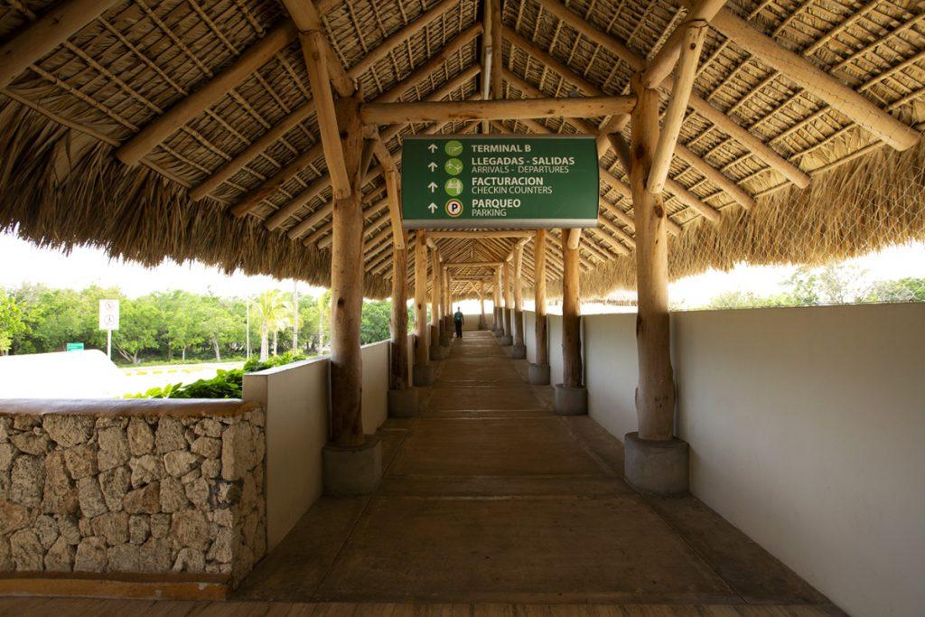 Puente Peatonal, Conexión Terminal A y B – Aeropuerto Internacional de Punta Cana